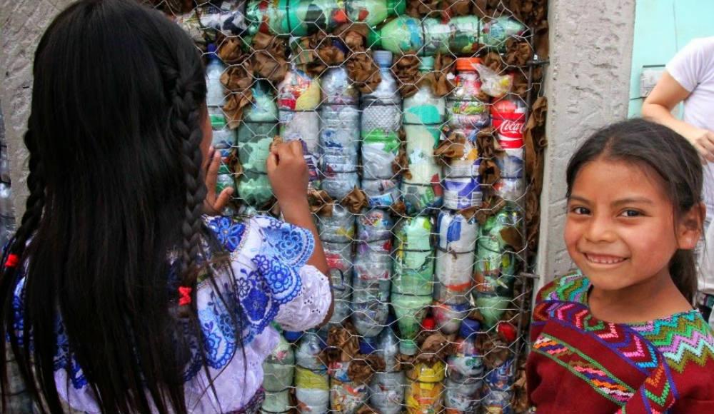 casa-reciclada-escola